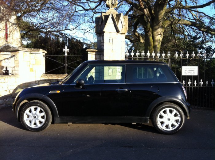 Mini Hatchback 1.6 One 3dr Hatchback Petrol Black