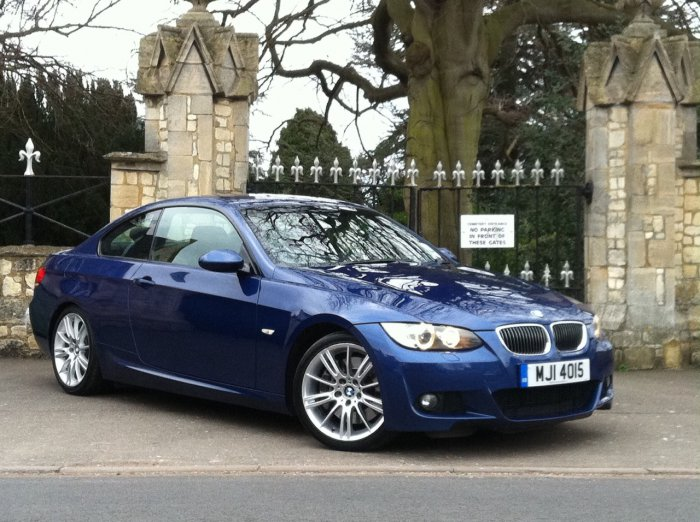 BMW 3 Series 3.0 330i M Sport 2dr Auto Coupe Petrol Blue