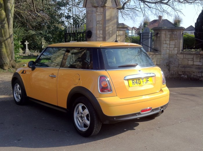 Mini Hatchback 1.4 One 3dr Hatchback Petrol Yellow