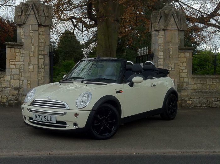 Mini Convertible 1.6 Cooper Convertible Petrol Pepper White