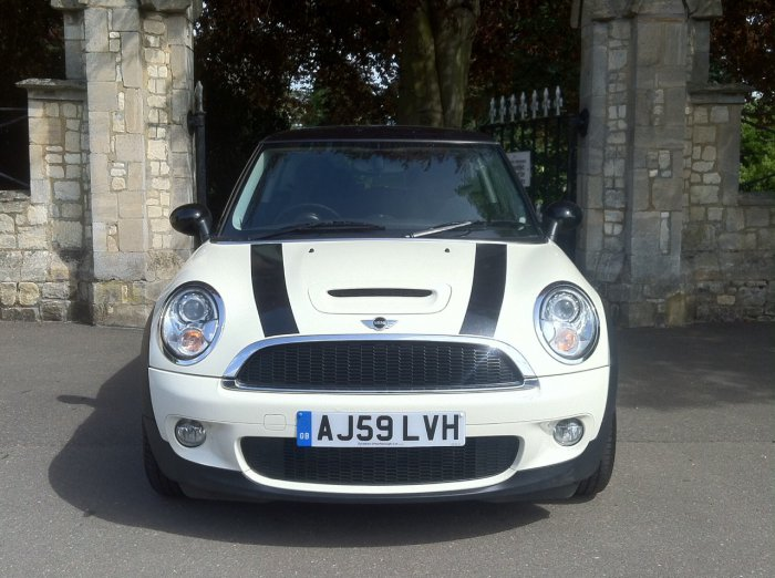 Mini Hatchback 1.6 Cooper S 3dr Hatchback Petrol White
