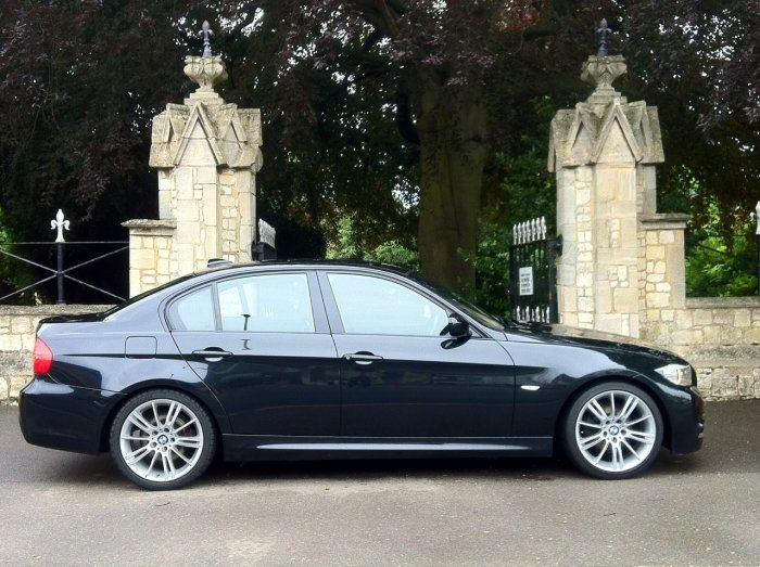 BMW 3 Series 2.0 320i M Sport Business Edition 4dr Saloon Petrol Black