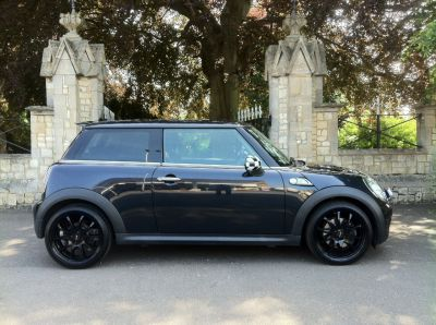 Mini Hatchback 1.6 Cooper S 3dr Auto Hatchback Petrol BlackMini Hatchback 1.6 Cooper S 3dr Auto Hatchback Petrol Black at New March Car Centre March