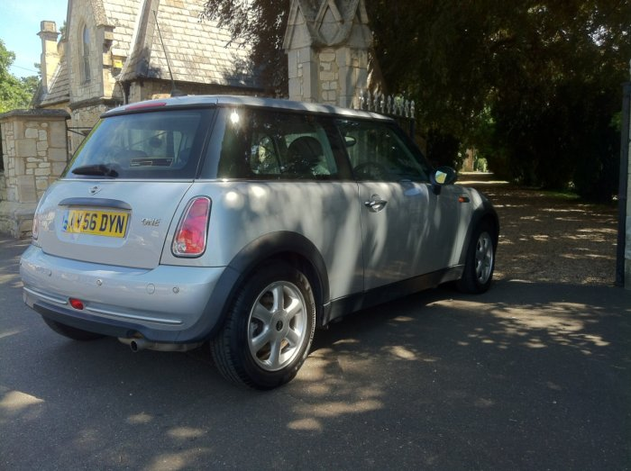 Mini Hatchback 1.6 One 3dr Auto Hatchback Petrol Silver