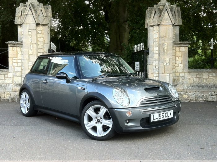 Mini Hatchback 1.6 Cooper S - Leather - Winter Pack - Low Miles Hatchback Petrol Grey