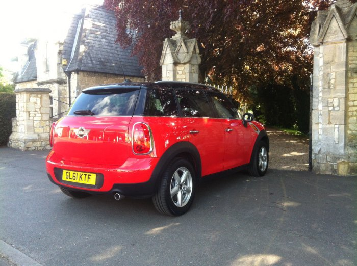 Mini Countryman 1.6 Cooper D ALL4 5dr Hatchback Diesel Red