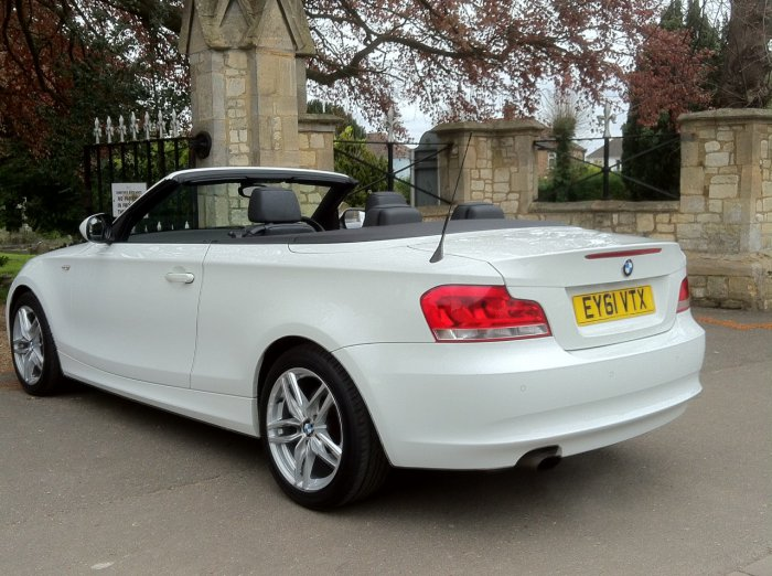 BMW 1 Series 2.0 118i Sport 2dr  Convertible Step Auto Convertible Petrol White