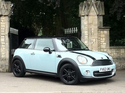 Mini Hatchback 1.6 Cooper D 3dr Hatchback Diesel BlueMini Hatchback 1.6 Cooper D 3dr Hatchback Diesel Blue at New March Car Centre March