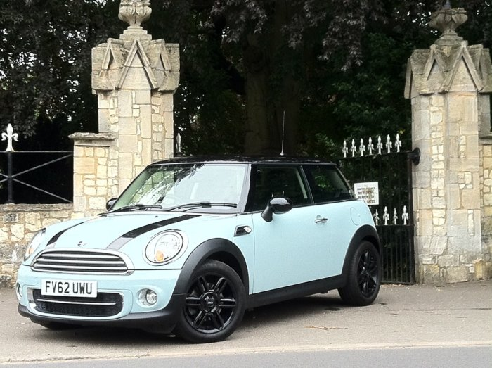 Mini Hatchback 1.6 Cooper D 3dr Hatchback Diesel Blue
