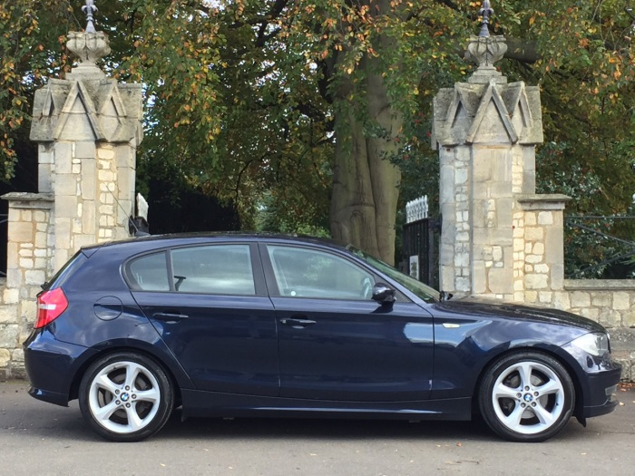 BMW 1 Series 2.0 120d Sport seats Hatchback Diesel Blue