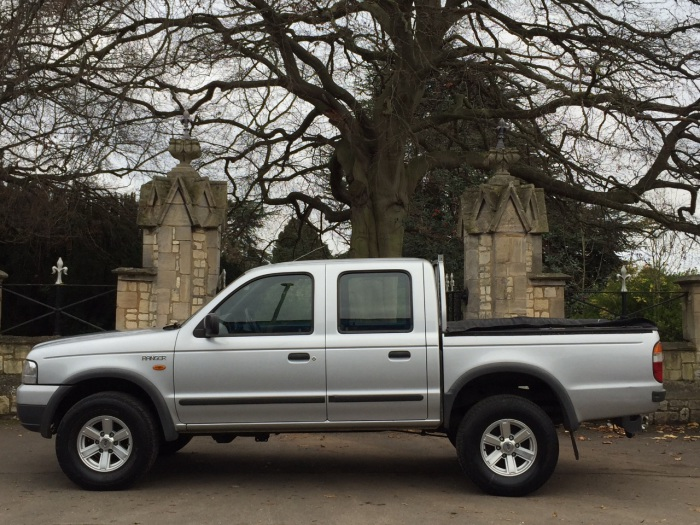 Ford Ranger 2.5 Pick Up Double Cab TD 4WD Pick Up Diesel Silver