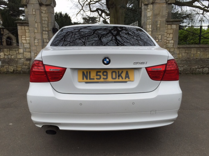 BMW 3 Series 2.0 318i SE 4dr Saloon Petrol White