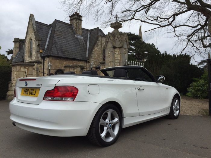 BMW 1 Series 2.0 118i Sport 2dr convertible Convertible Petrol White