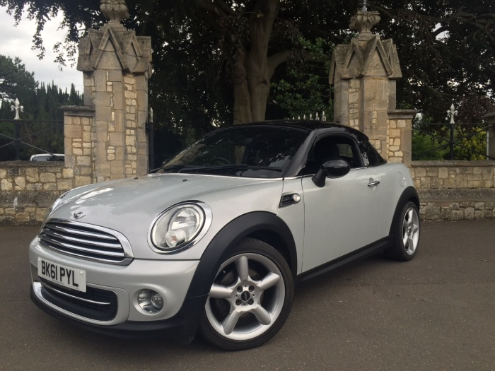 Mini Coupe 1.6 Cooper 3dr Coupe Petrol White Silver