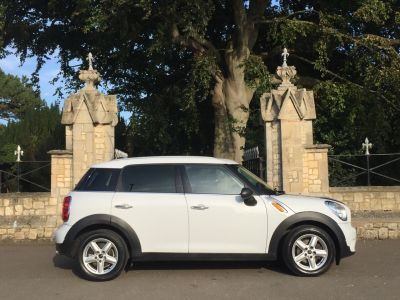 Mini Countryman 1.6 COUNTRYMAN ONE D PEPPER PACK Hatchback Diesel WhiteMini Countryman 1.6 COUNTRYMAN ONE D PEPPER PACK Hatchback Diesel White at New March Car Centre March