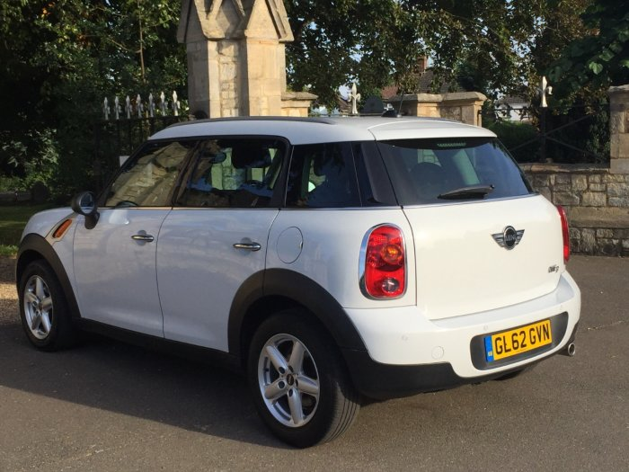 Mini Countryman 1.6 COUNTRYMAN ONE D PEPPER PACK Hatchback Diesel White