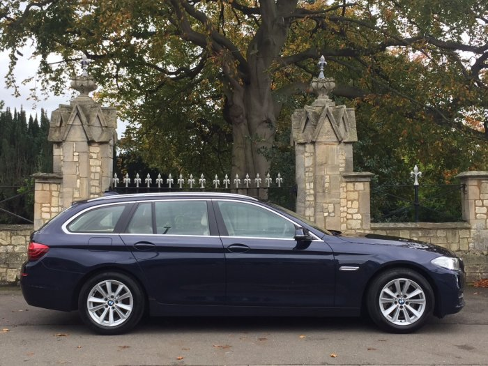 BMW 5 Series 2.0 520d SE 5dr Step Auto Estate Diesel Blue