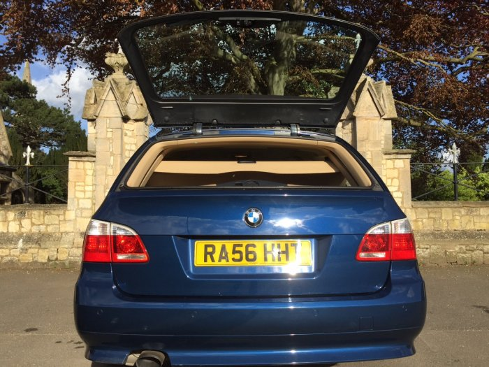 BMW 5 Series 2.0 520d SE 5dr Estate Diesel Blue