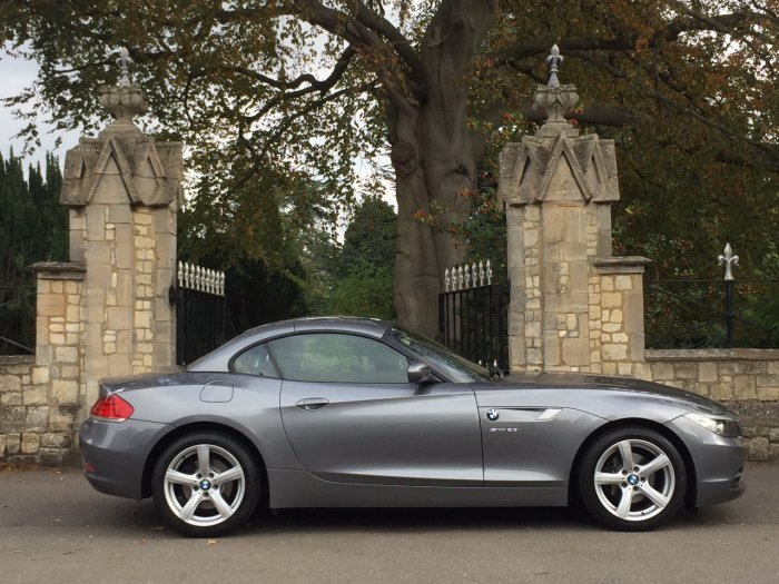 BMW Z4 2.5 23i sDrive 2dr Convertible Petrol Grey