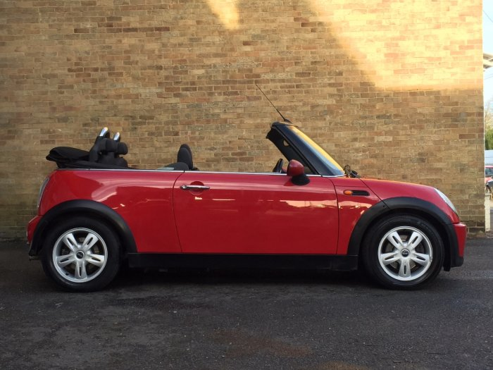 Mini Convertible 1.6 One 2dr Convertible Petrol Red