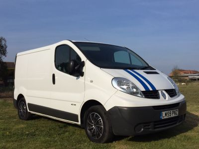 Renault Trafic 2.0 SL27dCi 115 Van Panel Van Diesel WhiteRenault Trafic 2.0 SL27dCi 115 Van Panel Van Diesel White at New March Car Centre March