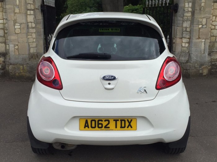 Ford Ka 1.2 Zetec 3dr [Start Stop] Hatchback Petrol White