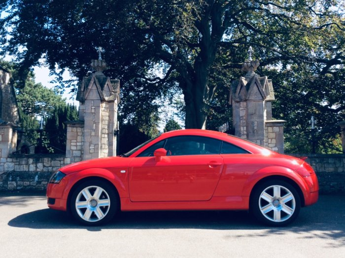Audi TT 1.8 T 2dr [190] Coupe Petrol Red